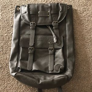 Gray Sherpani brand backpack